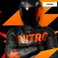 NitroCasino hahmo kypärä ja nahkatakki päällä - kirjaudu